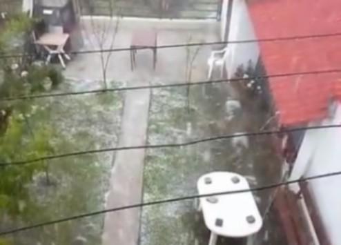 Θεσσαλονίκη: Ο καιρός τρελάθηκε - Άσπρισαν τα πάντα από ξαφνικό χαλάζι (Βίντεο)!