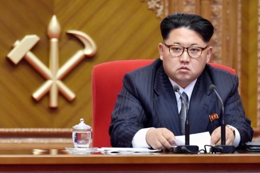 Ο Κιμ Γιόνγκ Ουν έβαλε κοστούμι, κατέβηκε μόνος του υποψήφιος και νίκησε