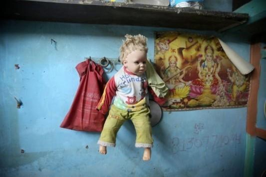 Σε κώμα 6χρονο κοριτσάκι μετά τον άγριο βιασμό - Το άφησε να πεθάνει σε παραλία