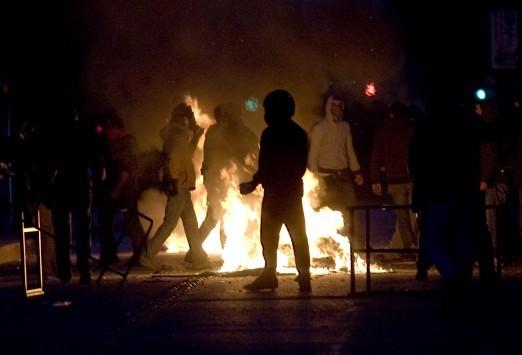 """""""Πόλεμος"""" τη νύχτα στην Πατησίων"""