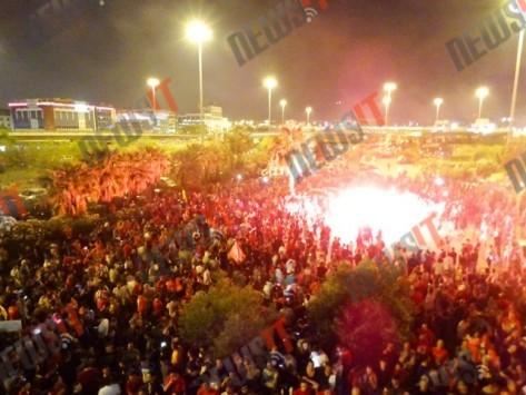 `Κάηκε` το ΣΕΦ για την κούπα του Ολυμπιακού - Αποθέωσαν τον Σπανούλη για το τρίποντο - Ολο το παρασκήνιο