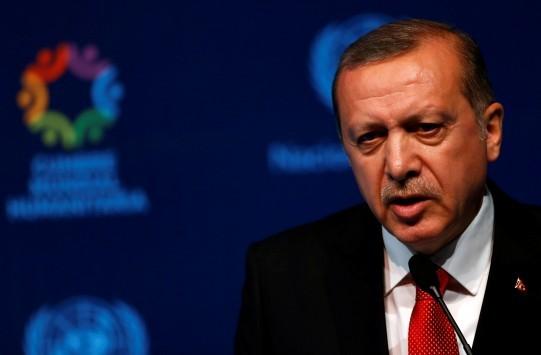 Καταδικάστηκε η Μις Τουρκία επειδή τόλμησε να προσβάλει τον Ερντογάν