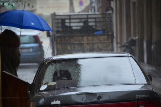 Καιρός: Έκτακτο δελτίο με βροχές και καταιγίδες! Έρχονται και χαλαζοπτώσεις