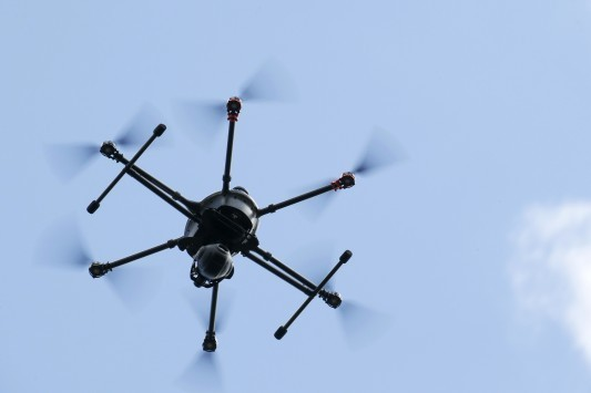 H κυβέρνηση με drones θα αρχίσει να ψάχνει τα αυθαίρετα κτίρια