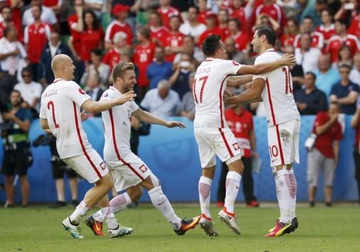 Η Πολωνία στους `8`! To γκολ του Euro ο Σατσίρι!