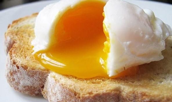 Χοληστερίνη: Μέχρι πόσα αυγά μπορείτε να τρώτε κάθε εβδομάδα