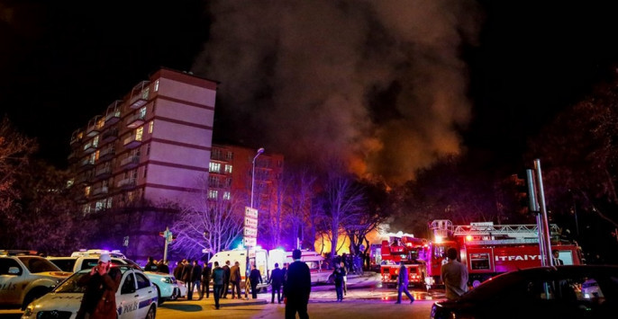 LIVE: Πραξικόπημα στην Τουρκία! Πυροβολισμοί έξω από το παλάτι του Ερντογάν - Άρματα μάχης περικύκλωσαν την τουρκική εθνοσυνέλευση