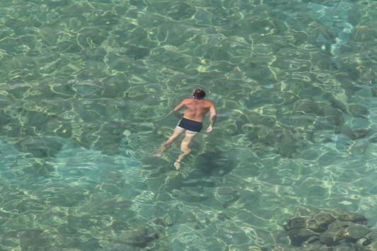 Απίστευτο ποσοστό! Πόσο κατάλληλες είναι οι ελληνικές παραλίες για κολύμβση;