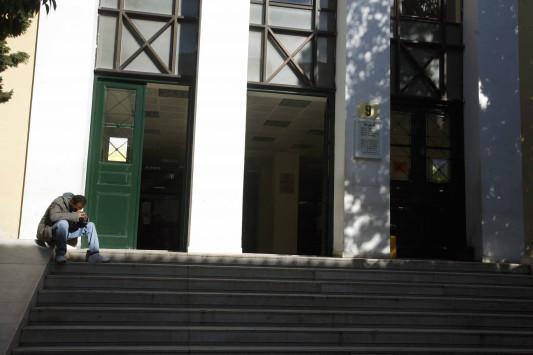 `Θόλωσα, ζητώ συγγνώμη` δηλώνει η 26χρονη που έσφαξε μητέρα δυο παιδιών στο Κορωπί