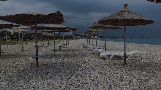 Καιρός: Αντί για παραλία... ζακέτα! Σε ισχύ το έκτακτο δελτίο επιδείνωσης με καταιγίδες και χαλάζι! Κρύο σαββατοκύριακο πριν το Δεκαπενταύγουστο