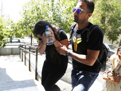 """Βόμβα έτοιμη να εκραγεί ήταν η δολοφόνος του Κορωπίου! Συγκλονίζει η μαρτυρία του γιου του θύματος: """"Η γκόμενα του μπαμπά μαχαίρωσε τη μαμά"""""""