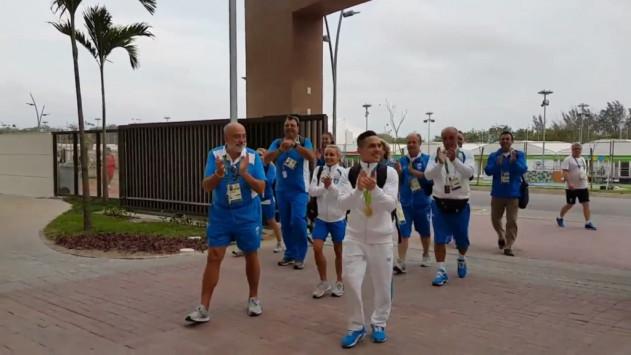 Πετρούνιας: Χαμός στην υποδοχή του Μανιάτη Ολυμπιονίκη! [vid]