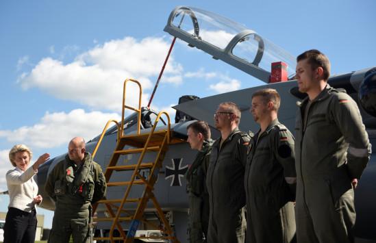 Η Γερμανία ετοιμάζεται για πόλεμο; Η κυβέρνηση εξετάζει σχέδιο επιστράτευσης αν απειληθούν τα εξωτερικά σύνορα του ΝΑΤΟ