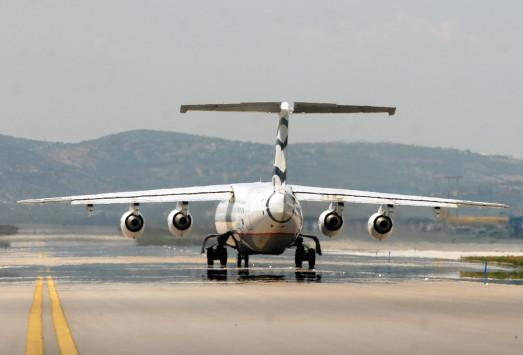 Θρίλερ στο Ηράκλειο: Διαρροή καυσίμου σε αεροσκάφος `έκλεισε` το αεροδρόμιο!