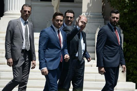 Τρικυμία στο κόμμα του Βασίλη Λεβέντη - Παραιτήθηκε ο Γ. Καλλιάνος
