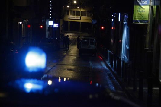 Ισχυρότατη έκρηξη στο σπίτι διάσημου επιχειρηματία - Πέταξαν μασούρια δυναμίτιδας στην πόρτα - Έχει πασίγνωστο κέντρο στη Μύκονο