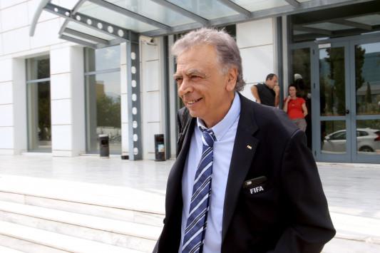 FIFA σε Κοντονή: `Να ξεκινήσει το πρωτάθλημα στις 10 Σεπτεμβρίου`