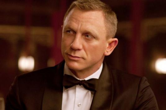 "Daniel Craig: Το αστρονομικό ποσό που του προσφέρουν για άλλες δύο ταινίες ""James Bond""!"