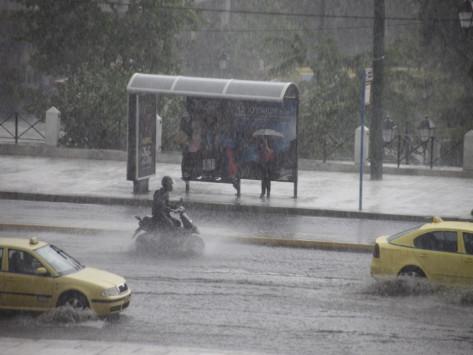 Καιρός: Καταιγίδες και την Τετάρτη - Πού θα χτυπήσει η κακοκαιρία