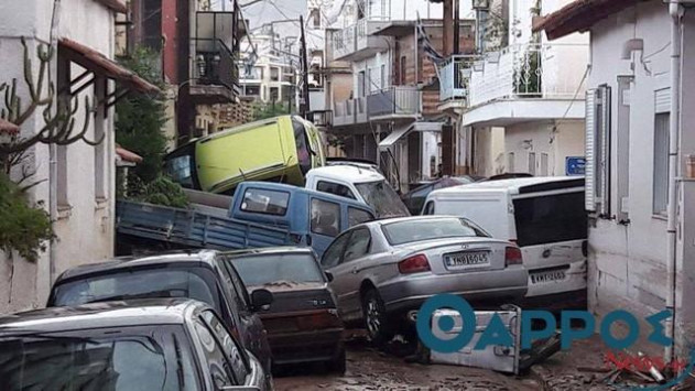 Φονική κακοκαιρία - Δυο γυναίκες αγνοούνται - Εικόνες βιβλικής καταστροφής σε Καλαμάτα και Νέα Μηχανιώνα