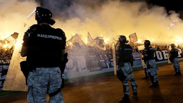Βίαια επεισόδια στο Παρτίζαν - Ερυθρός Αστέρας