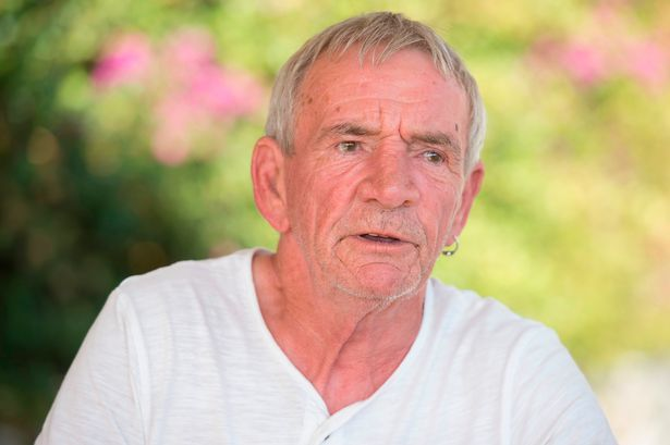 Ο παππούς του μικρού Μπεν - ΦΩΤΟ από mirror.co.uk