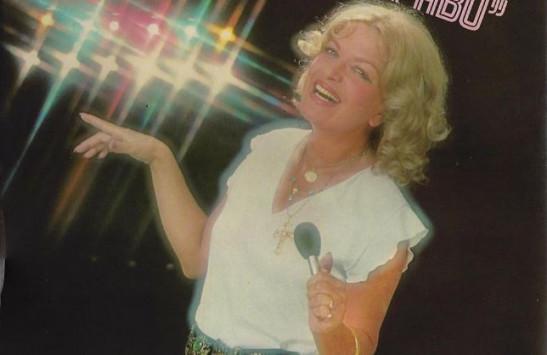 Πέθανε η γνωστη τραγουδίστρια Νάντια Κωνσταντοπούλου [vid]