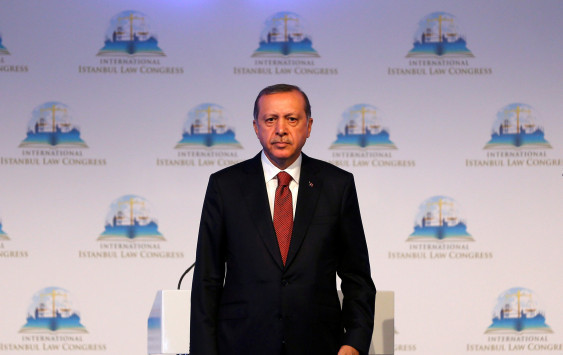 Επική γκάφα από το ΑΠΕ ΜΠΕ! Παραλίγο διπλωματικό επεισόδιο με την Τουρκία από λάθος τηλεγράφημα - Δεν μίλησε ο Ερντογάν για Θράκη και δημοψήφισμα