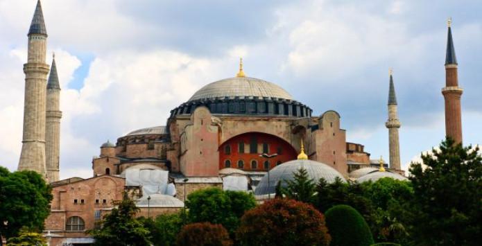 Αγία Σοφία: Νέα πρόκληση – Διόρισαν Ιμάμη οι Τούρκοι