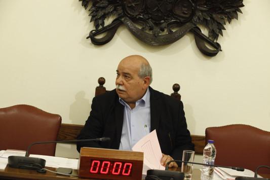 LIVE: Νέα ανατροπή για το ΕΣΡ - Ο Ν. Βούτσης προτείνει πρόεδρο τον Μορώνη - Εκτός ο Πολύδωρας