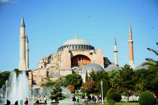 Hurriyet σε Ερντογάν: «Άρα, η Κωνσταντινούπολη είναι ελληνική;»