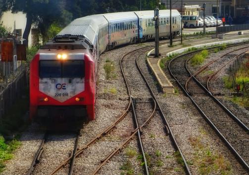 Θεσσαλονίκη: Ανέβηκε σε βαγόνι τρένου και πέθανε από ηλεκτροπληξία - Φρικτός θάνατος για νεαρό!