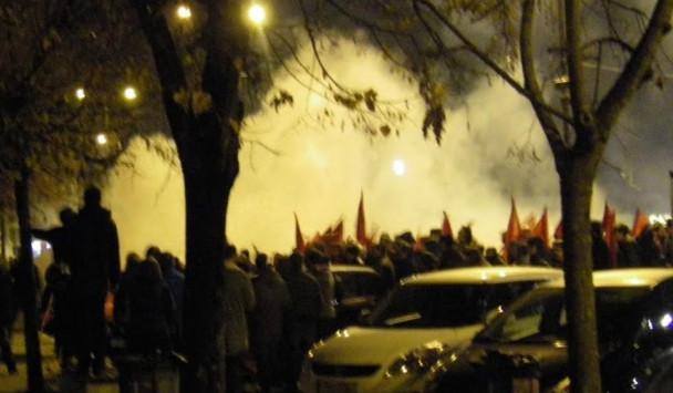 Πολυτεχνείο: Xαμός και φωτιές στην κεντρική πλατεία των Ιωαννίνων