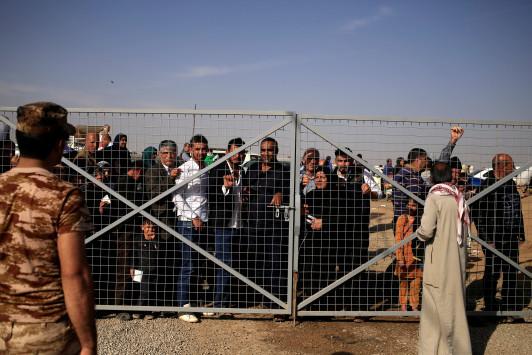 Πρόταση σοκ: `Όλοι οι πρόσφυγες σε ελληνικό νησί`!
