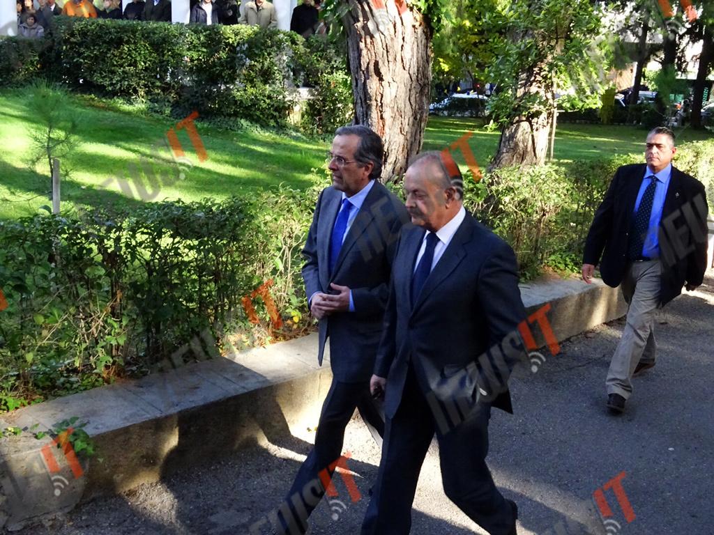 Ο πρώην πρωθυπουργός Αντώνης Σαμαράς μαζί με τον στενό του συνεργάτη Δημήτρη Σταμάτη