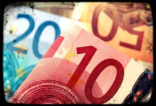 Η κρίση σε αριθμούς! Πόσα χρήματα έχασαν τα ελληνικά νοικοκυριά
