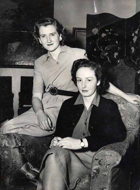 Margaret Rhodes και Lady Elizabeth Longman