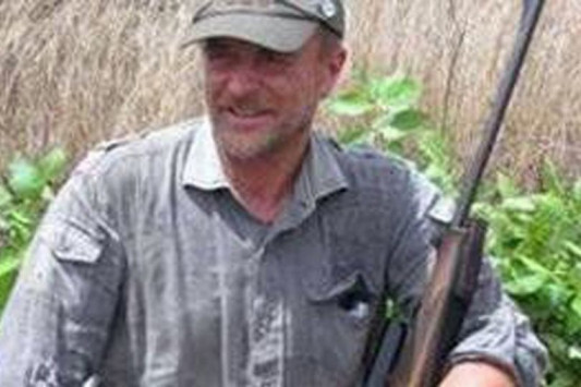 Πέθανε ο κτηνίατρος που σκότωνε άγρια ζώα! Έπεσε από γκρεμό σε κυνήγι [pics]