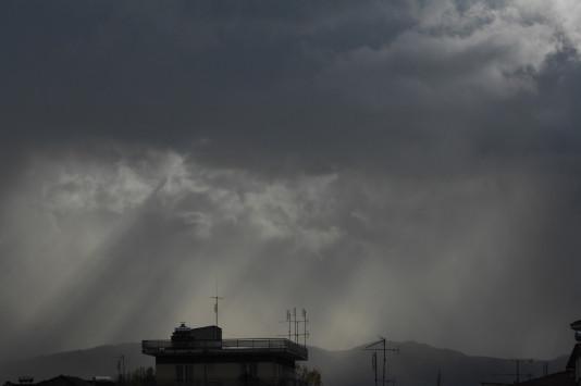 Καιρός: Νέο κύμα κακοκαιρίας με βροχές και χιόνια