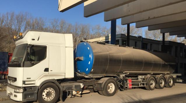 Κατάσχεση βυτιοφόρου και λουκέτο σε βενζινάδικο για λαθραίο πετρέλαιο [pics]