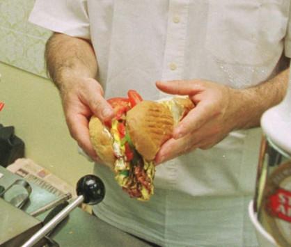 Λάρισα: Το σάντουιτς του στοίχισε 20.000€ - Το μεγάλο λάθος που πλήρωσε ακριβά!
