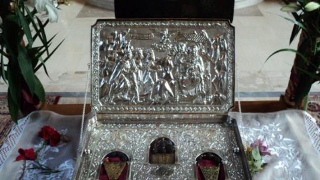 Κρήτη: Στο Ηράκλειο τα Πάντιμα Δώρα των Μάγων - Ουρές πιστών στον Άγιο Τίτο!