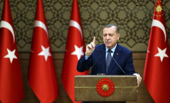Στα άκρα οι σχέσεις ΗΠΑ - Ερντογάν: `Οι Αμερικανοί στηρίζουν τον ISIS`