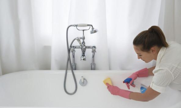 Το μυστικό για να βγαίνει η μούχλα από τα δύσκολα σημεία στο μπάνιο [vid]
