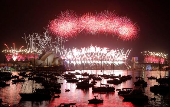 Πάει ο παλιός ο χρόνος… live! `Μπήκε` το 2017 σε Αυστραλία, Νέα Ζηλανδία και Πολυνησία [vids]