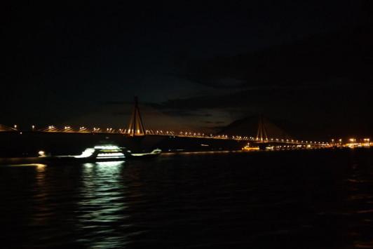 Δε βρήκαν την γυναίκα που έπεσε από τη γέφυρα Ρίου - Αντιρρίου