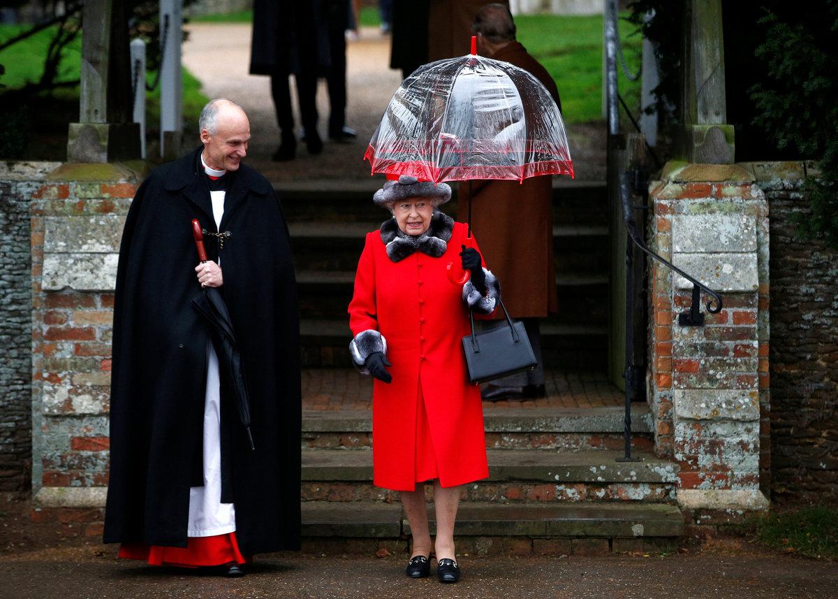 Η Βασίλισσα στην αντίστοιχη τελετή για τα Χριστούγεννα πριν από ένα χρόνο / Φωτό αρχείου: Reuters
