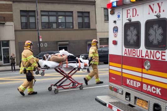 Πάνω από 100 τραυματίες στο σιδηροδρομικό ατύχημα στη Νέα Υόρκη