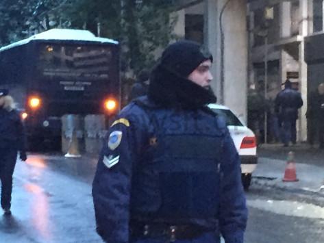 """""""Δύο σφαίρες από καλάσνικοφ δέχθηκε ο Αστυνομικός"""" - Ήθελαν αίμα"""