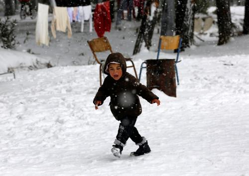 "Guardian:  ""Η κακοκαιρία στην Ελλάδα θέτει τους πρόσφυγες σε κίνδυνο και βάζει φωτιά στην κυβέρνηση"""